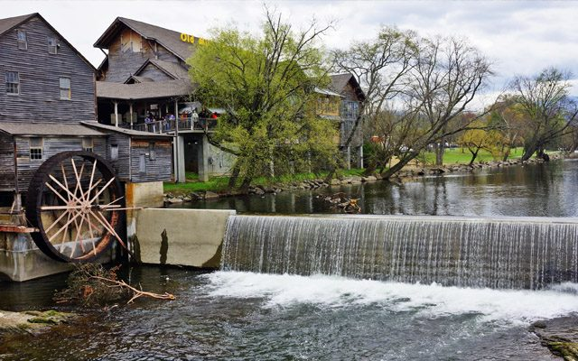 Old Mill Restaurant Tourist Attraction Near Gatlinburg