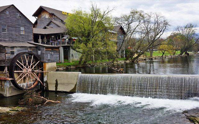 Old Mill Restaurant Tourist Attraction Near Gatlinburg